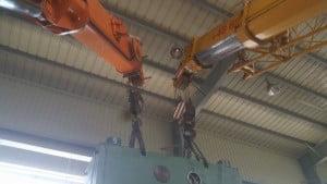 Haki dźwigów podczas pracy