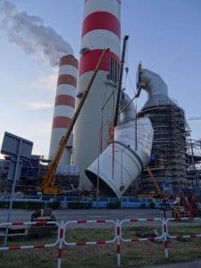 Elektrownia w Rybniku jest jedną z największych w Polsce, nic dziwnego, że dźwigi i żurawie mają tam dużo pracy.