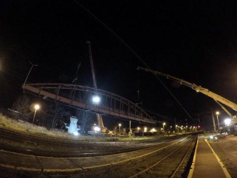 Zdjęcia z nocnego demontażu.