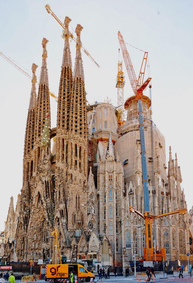 Zdjęcia z budowy w barcelonie.