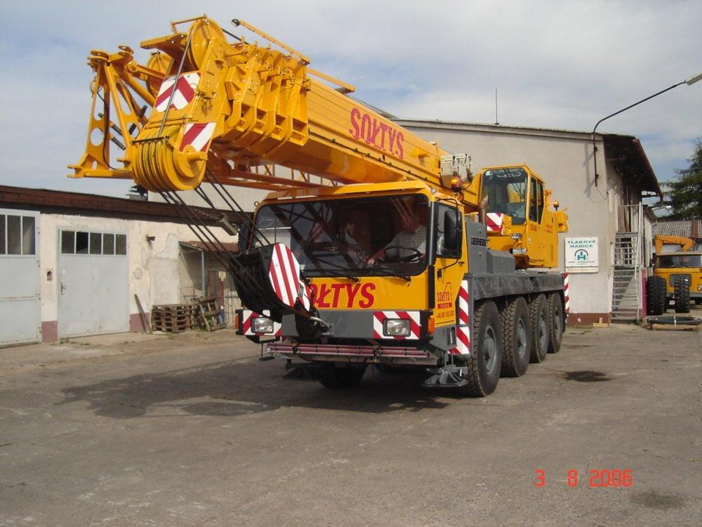 Firma Sołtys wynajmuje dźwigi najlepszej klasy oraz zapewnia najlepszą obsługę ciężkich maszyn.