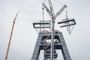 Dźwigi Makoszów - demontaż wieży kopalnianej.