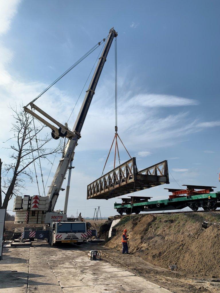 Demontaż mostu w Luboaczowie.