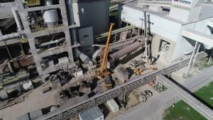 Wynajem dźwigów 7 dni w tygodniu w całej Polsce. Rozbiórka cementowni w Rudnikach we współpracy z firmą Mega-Pol.