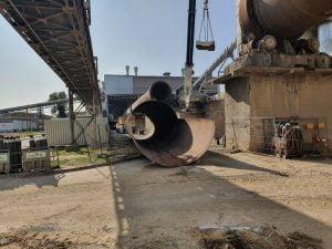 Usługi dźwigowe i dźwigi na wynajem w mieście Rudniki. Rozbiórka cementowni w Rudnikach we współpracy z firmą Mega-Pol.