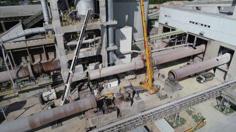 Firma Sołtys świadczy wynajem dźwigów na ternie miasta Rudniki. Rozbiórka cementowni w Rudnikach we współpracy z firmą Mega-Pol.