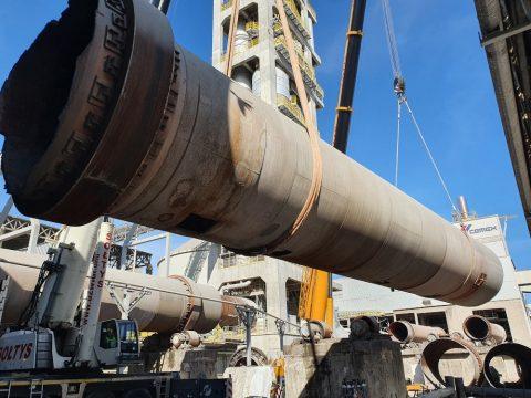 Rozbiórka cementowni w Rudnikach we współpracy z firmą Mega-Pol. Profesjonalne usługi dźwigowe świadczone na najwyższym poziomie.