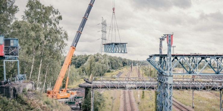 Dźwigi Katowice - wynajem dźwigów i usługi dźwigowe wraz z operatorem.
